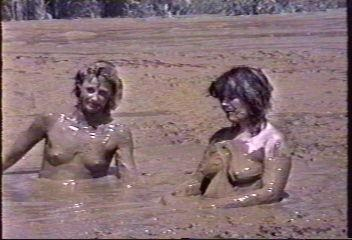 That can naked woman im deep mud you tell